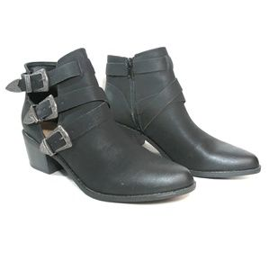 Sugar Shoes Western Style Ankle Bootie